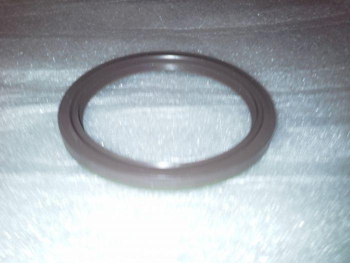 (2.5CS-3.0CSL) Crankshaft Rear Oil Seal OE